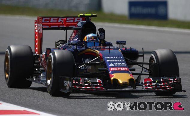 Carlos Sainz festeja su quinta posición en la Q3 de Barcelona - LaF1