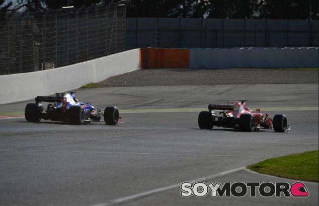Sainz y Räikkönen en los tests de Montmeló - SoyMotor