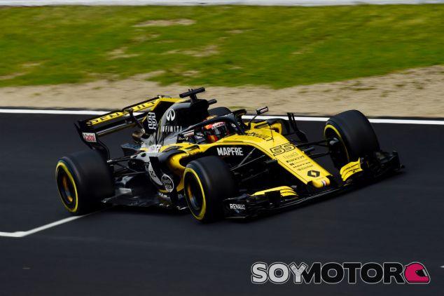 Sainz durante el Día 2 de test en Barcelona - SoyMotor.com