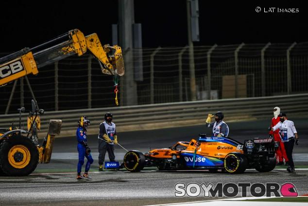 """Sainz, 15º: """"Hemos tenido un problema en el sistema de frenos trasero"""" - SoyMotor.com"""