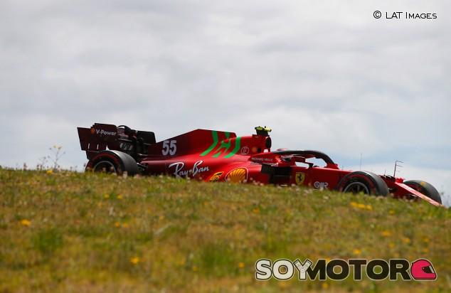 """Sainz moldea el Ferrari para salir quinto: """"El trabajo da sus frutos"""" - SoyMotor.com"""