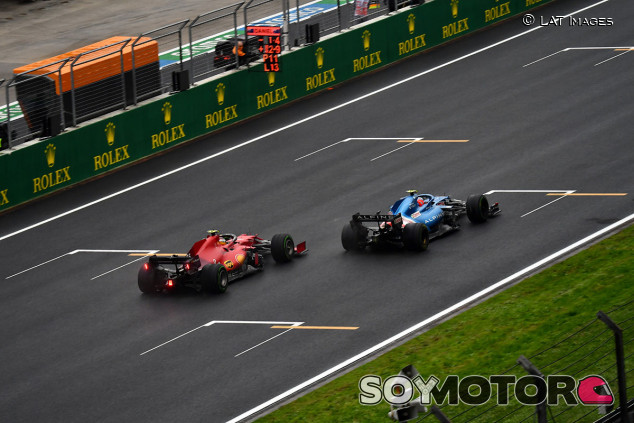 """Sainz ya se divierte con el Ferrari: """"Lo entiendo cada vez mejor"""" - SoyMotor.com"""
