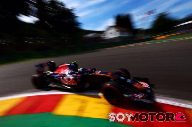 Sainz espera poder remontar con una buena estrategia mañana - LaF1