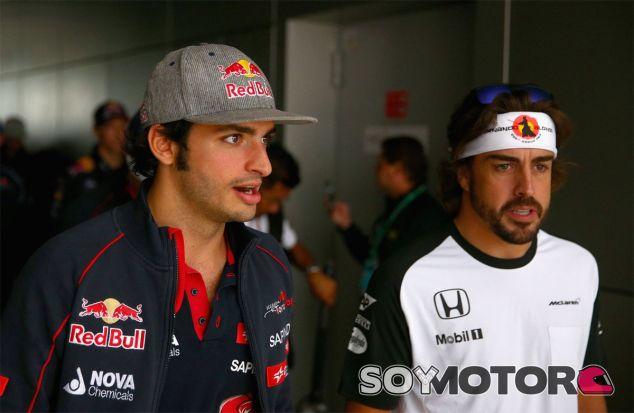 Carlos Sainz siente un gran respeto por Fernando Alonso - LaF1
