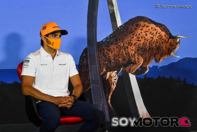 """Sainz: """"Me sorprendió lo atentos que estaban en Ferrari en mi trayectoria"""" - SoyMotor.com"""