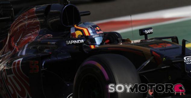 """Sainz: """"Hamilton no tendrá una temporada fácil con Bottas""""  - SoyMotor.com"""