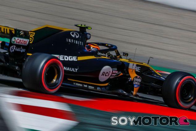 Carlos Sainz en el Circuit de Barcelona-Catalunya – SoyMotor.com