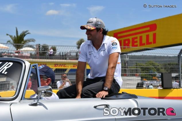 Sainz participará en un torneo de golf solidario en Austin – SoyMotor.com