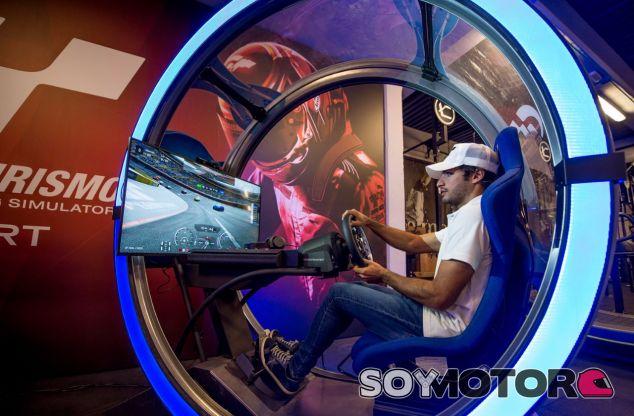 Carlos Sainz en la presentación del GT Sport –SoyMotor.com