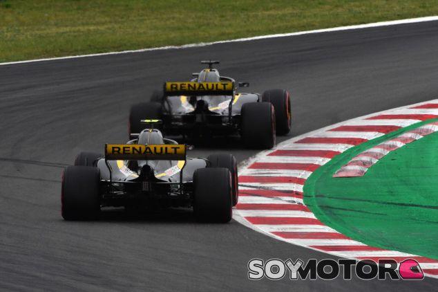Ambos Renault en Barcelona – SoyMotor.com