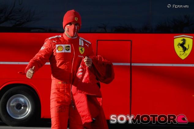 """Sainz, emocionado tras su debut con Ferrari: """"Siento cosas muy especiales"""" - SoyMotor.com"""