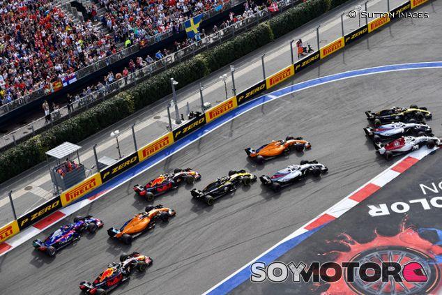 Salida de la carrera de Sochi - SoyMotor.com