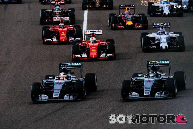 Mercedes y Ferrari son algunos de los equipos que tendrían un tercer coche - LaF1