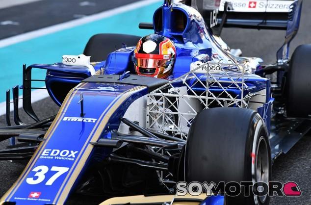 Charles Leclerc en Yas Marina - SoyMotor.com