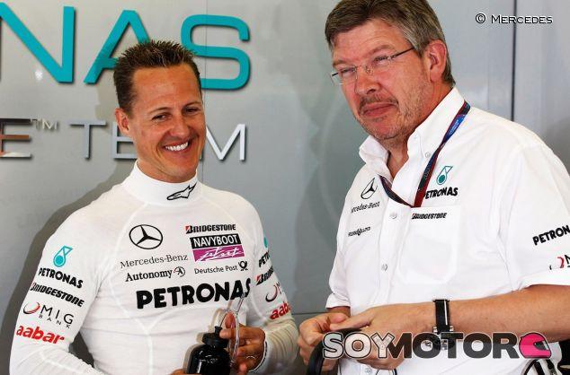 Michael Schumacher junto a Ross Brawn - LaF1