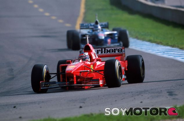 Schumacher por delante de Villeneuve en el último y decisivo Gran Premio del año, el de Jerez - LaF1