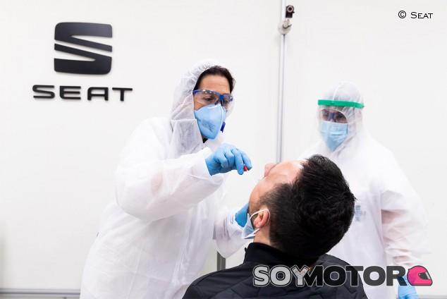 Seat reabre el 27 de abril con pruebas PCR a todos los empleados - SoyMotor.com
