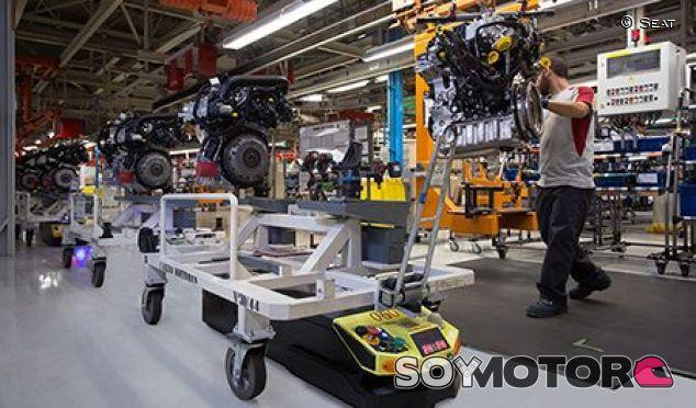 Los robotas de la fábrica de Seat en Martorell –SoyMotor.com