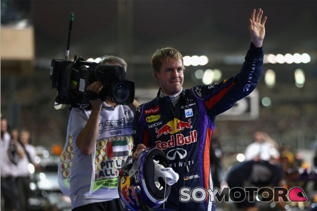 Sebastian Vettel en el parc fermé de Abu Dabi - LaF1