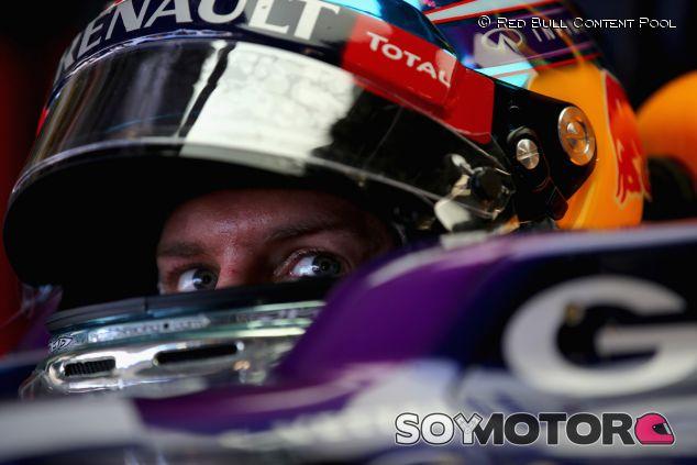 Vettel golpea primero en la India