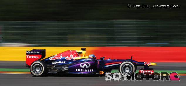 Sebastian Vettel lideró y pinchó ayer en Spa - LaF1