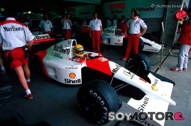 Ayrton Senna en Brasil con el MP4-6 - SoyMotor.com