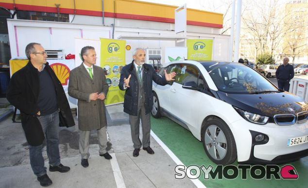 Nuevo punto de recarga rápida Shell para vehículos eléctricos - SoyMotor.com