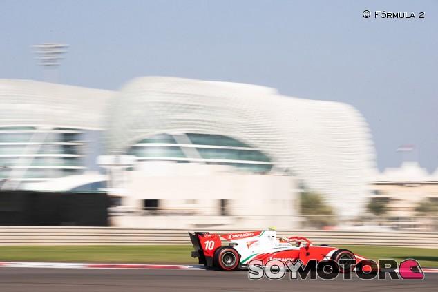 Los talentos de la F3 despuntan en el Día 2 de test de Abu Dabi - SoyMotor.com