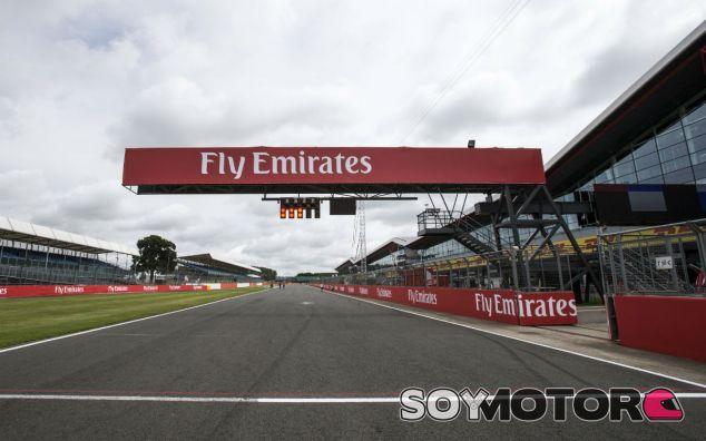 Recta de meta de Silverstone - SoyMotor
