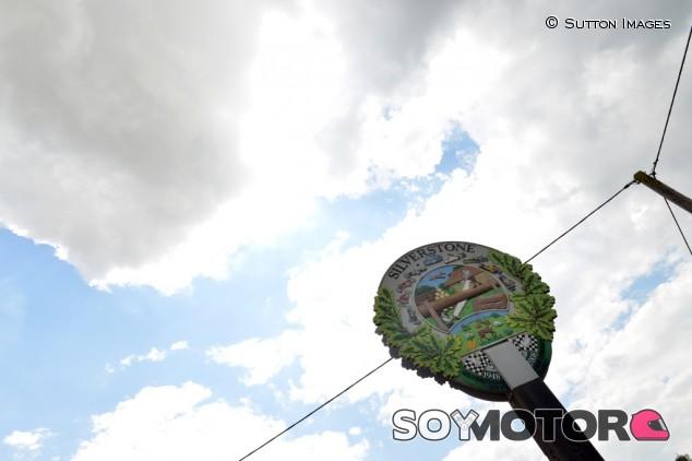 Silverstone ha sido re-reasfaltado de nuevo para la llegada de la Fórmula 1 –SoyMotor.com