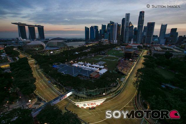Postal de Singapur - SoyMotor
