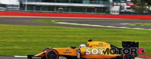 Sirotkin durante un test con el equipo Renault - SoyMotor