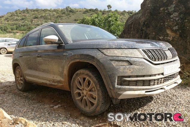 Conducimos los Skoda Karoq 1.5 TSI y Kodiaq SportLine y Scout: gama SUV para todos los gustos - SoyMotor.com