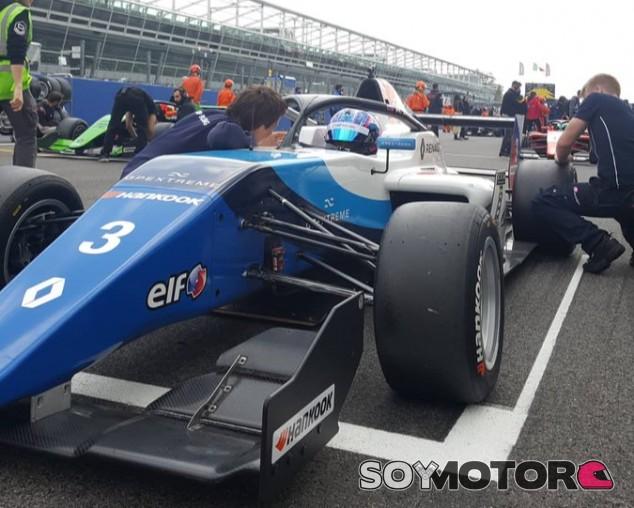 Smolyar consigue una mojada Pole en Monza - SoyMotor.com