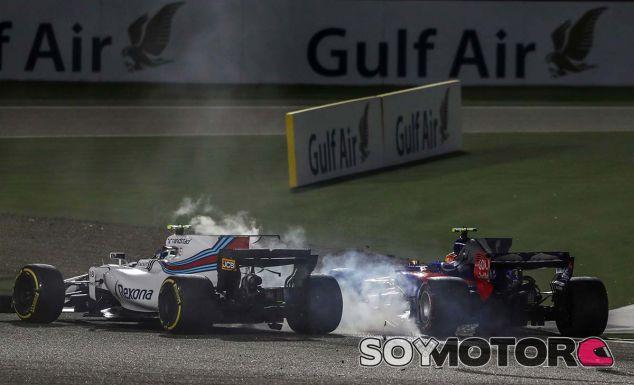 Sainz abandona en Baréin tras un accidente con Stroll - SoyMotor.com