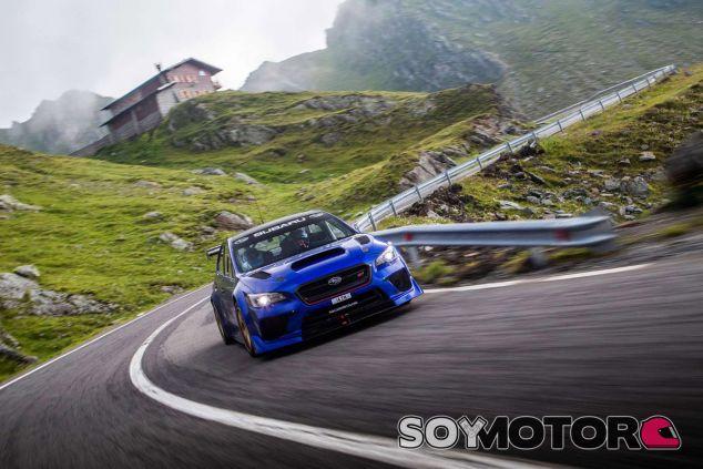 Las 624 curvas y 83 kilómetros de Transfagarasan son un reto mayúsculo - SoyMotor.com