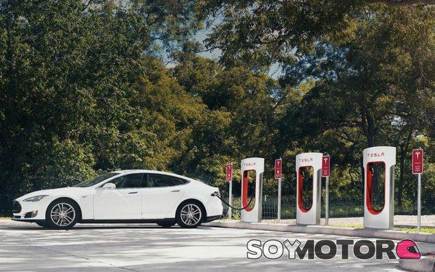 Ya puedes viajar de Madrid a Valencia en un eléctrico - SoyMotor.com