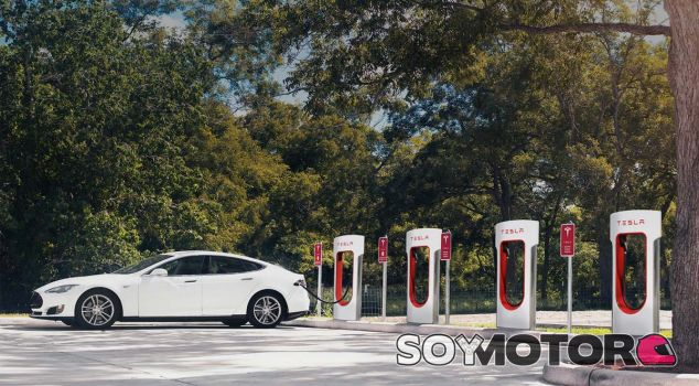 Tesla Motors da el paso definitivo hacia la conducción autonóma con su Autopilot - SoyMotor