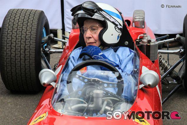 John Surtees en Goodwood, a los mandos del 158 - LaF1