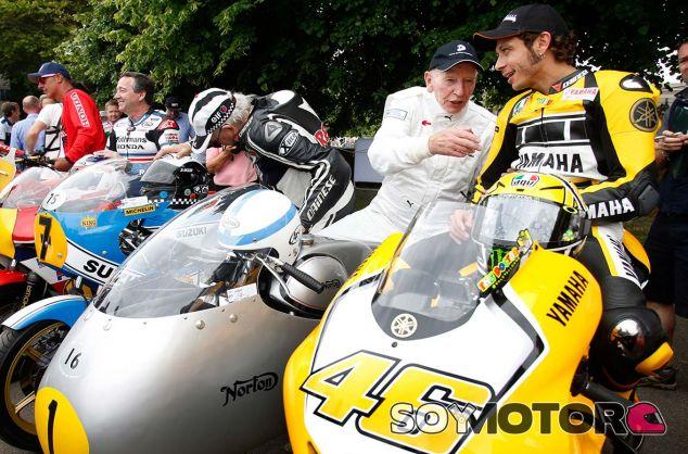 John Surtees y Valentino Rossi - SoyMotor.com