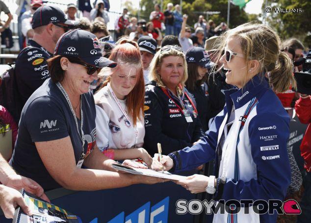 Susie Wolff en Australia - LaF1.es