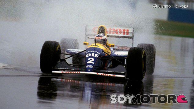 Alain Prost con el Williams FW15C de 1993 - SoyMotor