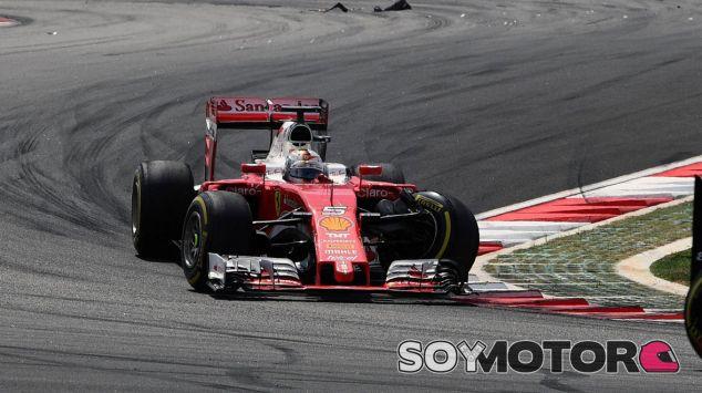 Una carta de Ferrari a la FIA desata la duda sobre las suspensiones 2017 - SoyMotor.com