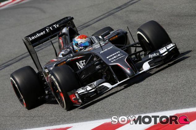 Adrian Sutil lució un casco inspirado en Antoni Gaudí durante la carrera de Barcelona - LaF1