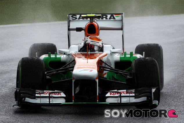 """Adrian Sutil a los mandos del VJM06, la """"zanahoria"""" - LaF1"""