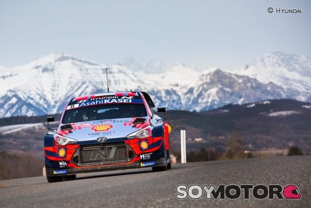 Accidentado debut de Tänak con Hyundai en Montecarlo - SoyMotor.com