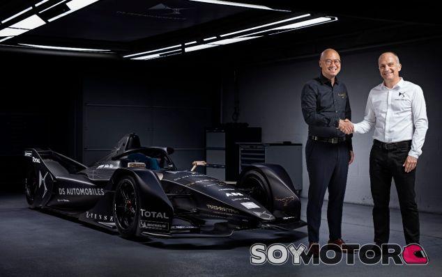 Firma del acuerdo – SoyMotor.com