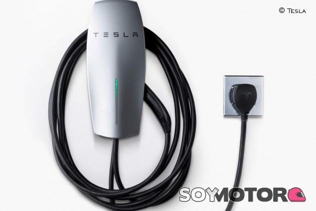 La actualización de la segunda generación de cargadores de Tesla es portátil y más rápida - SoyMotor.com