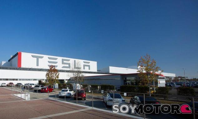 Tesla ofrece 2.800 millones para comprarar SolarCity
