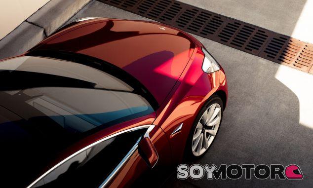 El Tesla Model 3 ha roto todo los moldes y previsiones de la marca - SoyMotor